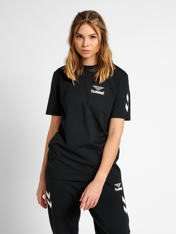 hmlHIVE COTTON TEE, BLACK, model