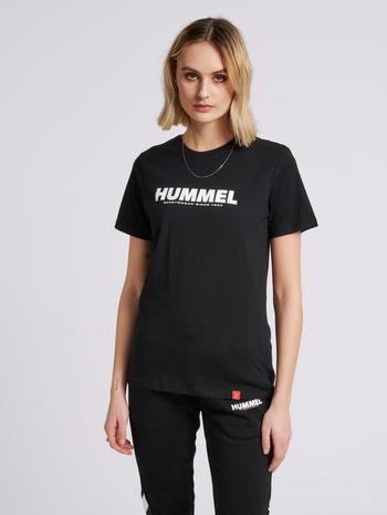hmlLEGACY T-SHIRT, BLACK, model