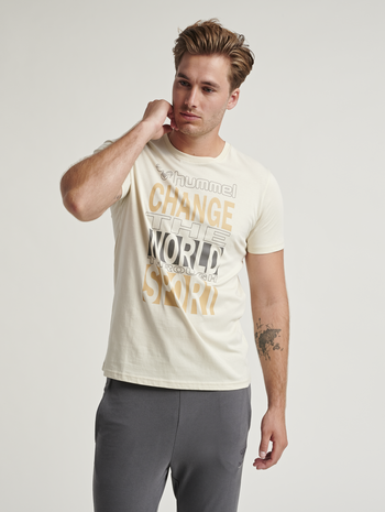 hmlACTON T-SHIRT, BONE WHITE, model