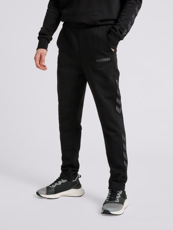 hmlLEGACY TAPERED PANTS, BLACK, model