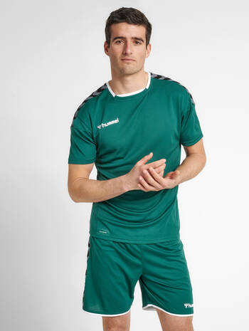 hmlAUTHENTIC POLY JERSEY S/S, EVERGREEN, model