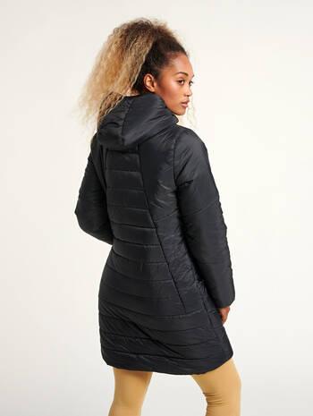 hmlVEGA COAT, BLACK, model