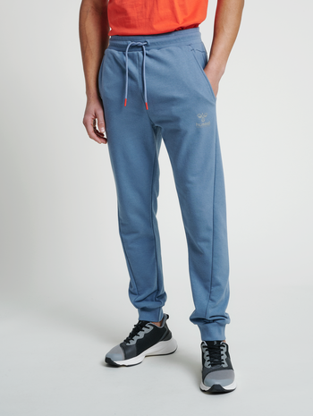 hmlISAM REGULAR PANTS, CHINA BLUE, model