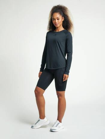 hmlVANJA T-SHIRT L/S, BLACK, model