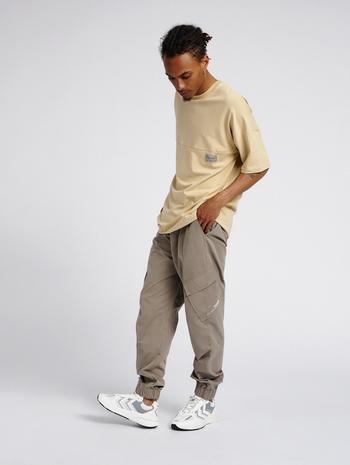 hmlTROOPER PANTS, DRIFTWOOD, model